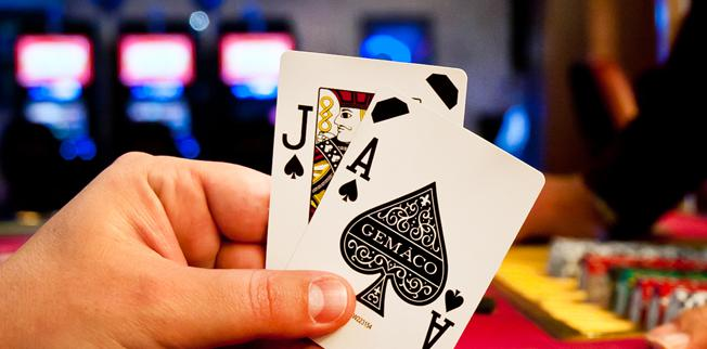 What is the Difference Between Blackjack and Other 21 Games? - Palace of  Chance